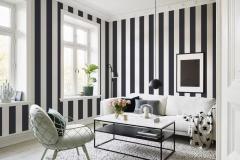 wallpaper-dinding-ruang-tamu-kalsik-warna-hitam-putih-motif-stripe-wallpaper-rumah-moden